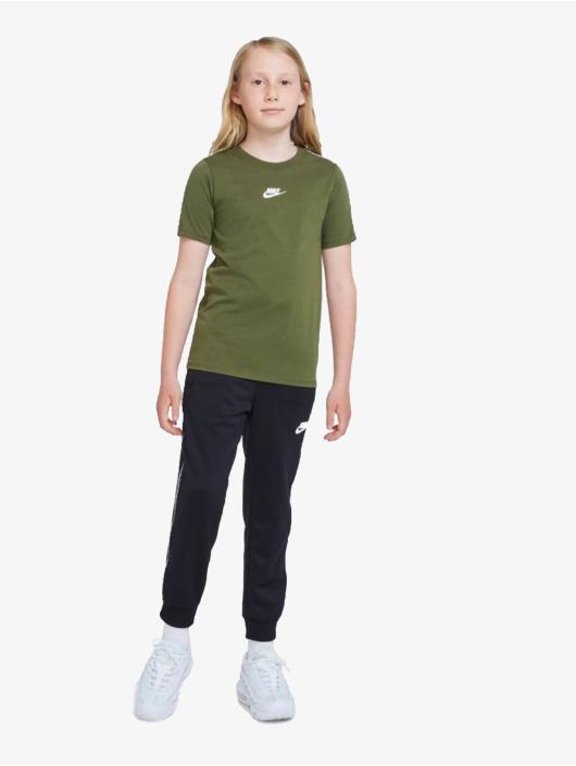 Nike T-Shirt Repeat grün