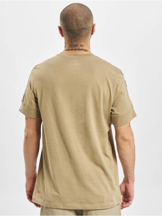 Nike T-Shirt M Nsw Repeat Ss kaki
