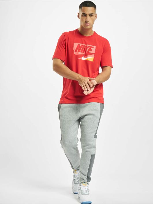 Nike T-Shirt Sportswear red