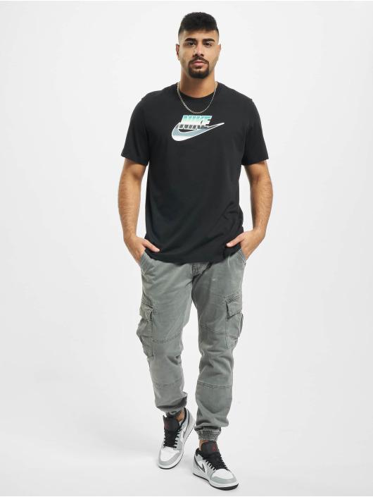 Nike T-Shirt Brandmark Wildcard schwarz