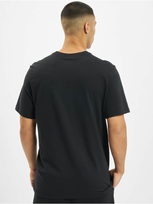 Nike T-Shirt Sportswear schwarz