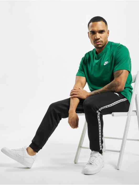 Nike T-Shirt Club vert