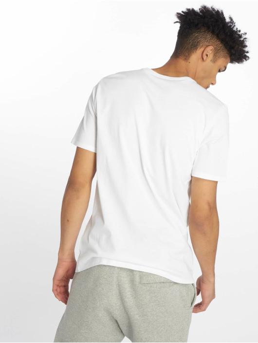 Nike T-Shirt Logo Classic weiß
