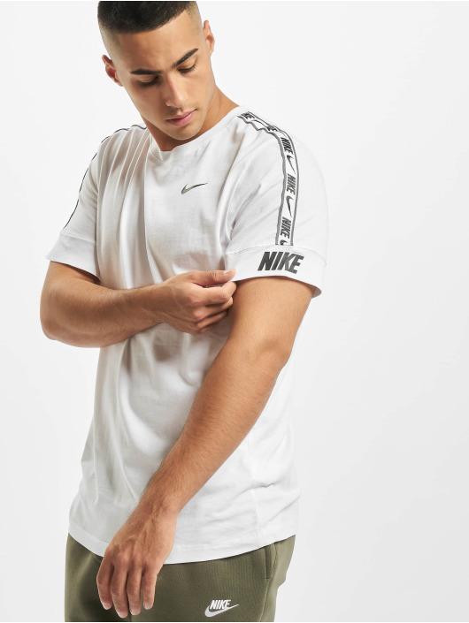 Nike T-Shirt Repeat weiß