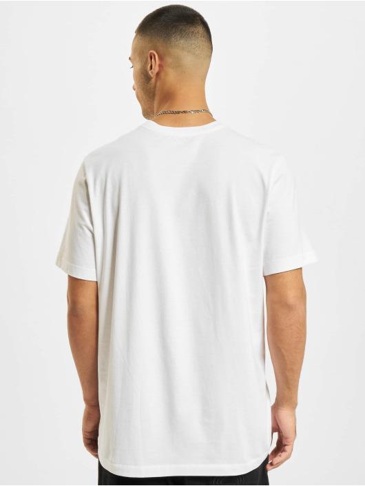 Nike T-Shirt Just Do It Swoosh weiß