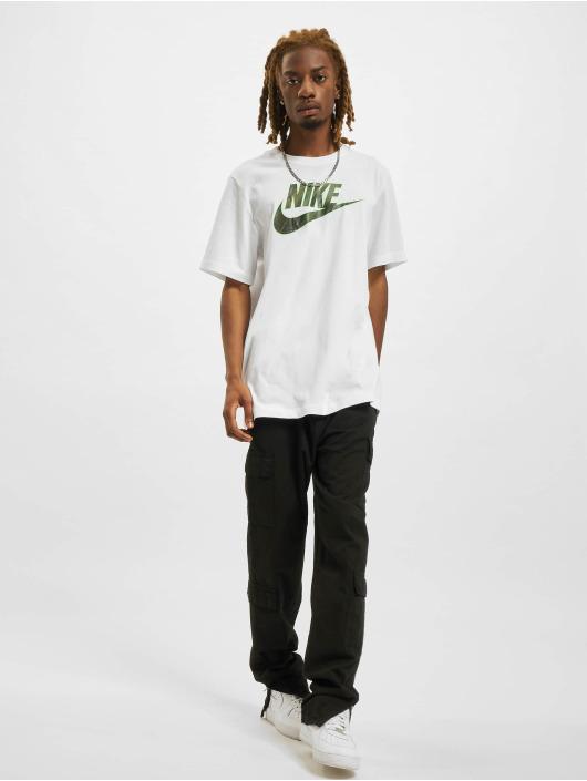 Nike T-Shirt Essential weiß