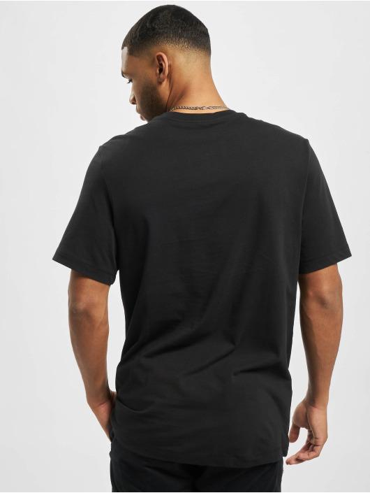 Nike t-shirt M Nsw Tee Alt Brand Mark 12mo zwart