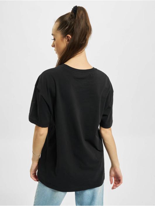 Nike t-shirt Boy Swoosh zwart