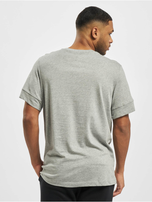Nike T-shirts M Nsw Repeat Ss grå