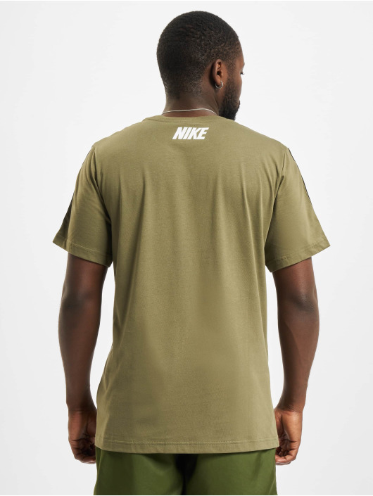 Nike T-shirts Repeat oliven