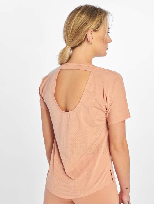 Nike T-shirts Miler SS Breathe rosa