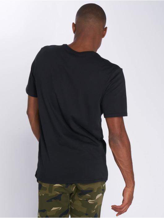 Nike T-Shirty Sportswear czarny