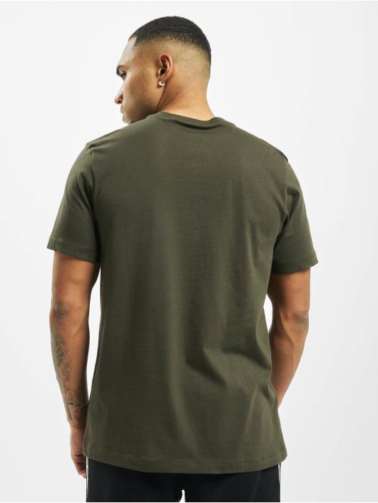 Nike T-Shirty Club oliwkowy
