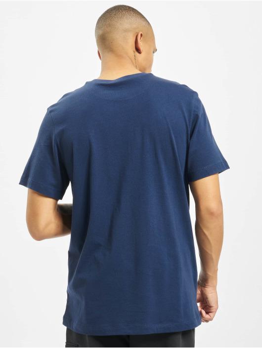 Nike T-skjorter Club blå