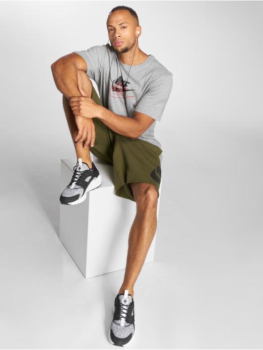 Nike T-skjorter Archive grå