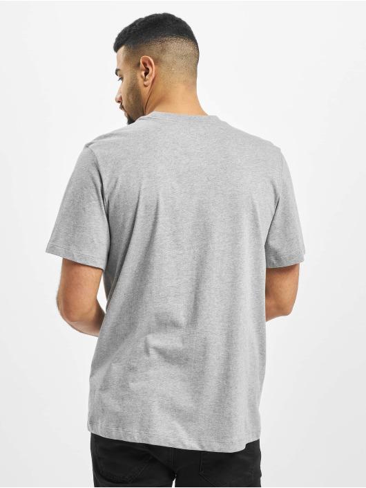 Nike T-skjorter Just Do It Swoosh grå