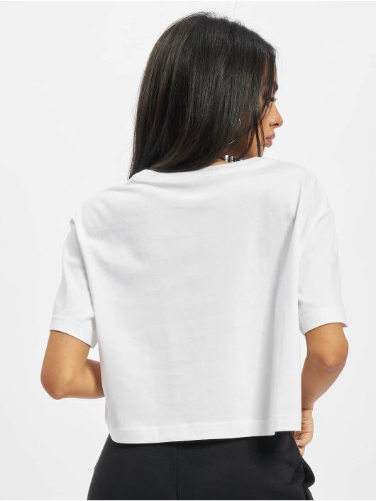 Nike T-skjorter Crop Craft hvit