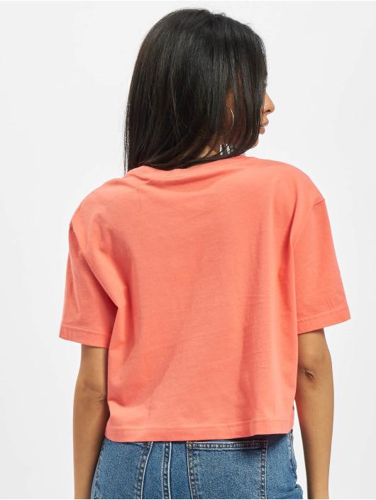 Nike T-skjorter Crop Craft lyserosa