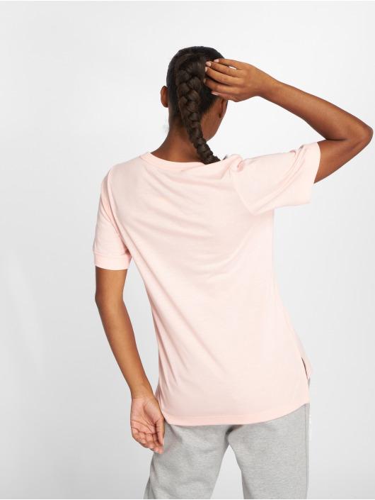 Nike T-skjorter NSW Top SS Prep Futura rosa