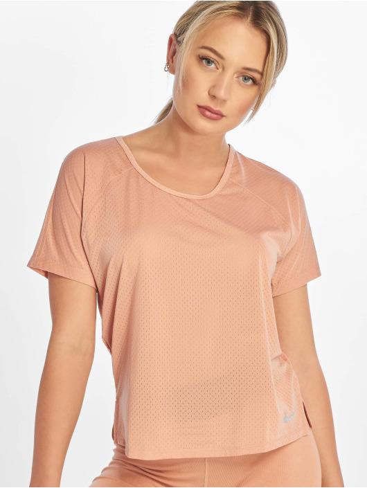 Nike T-skjorter Miler SS Breathe rosa