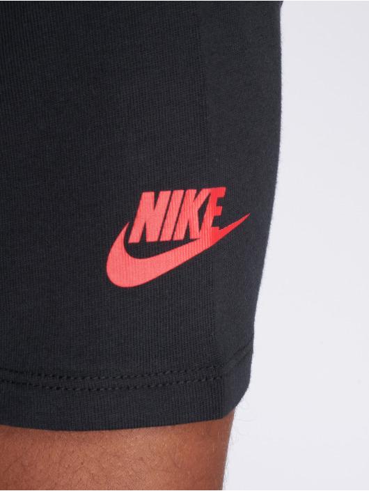 Nike T-skjorter Sportswear svart