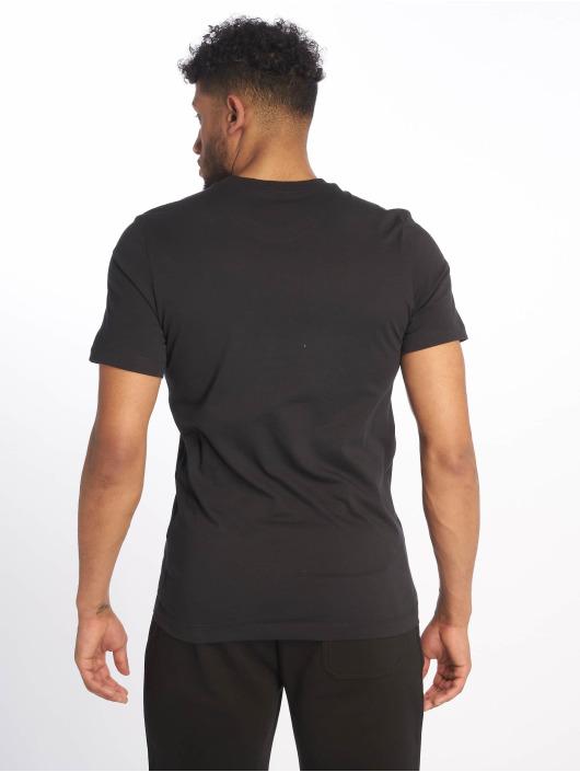 Nike T-skjorter Swoosh Bumper Sticker svart