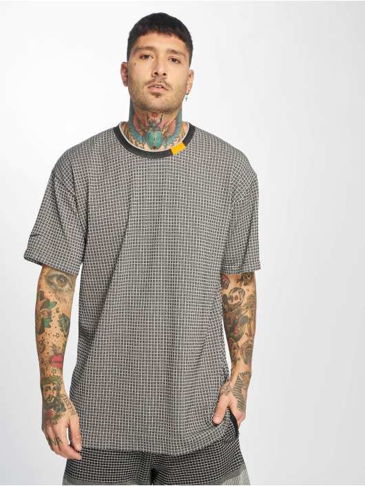 Nike T-skjorter TCH PCK SC SS GRD Knit svart