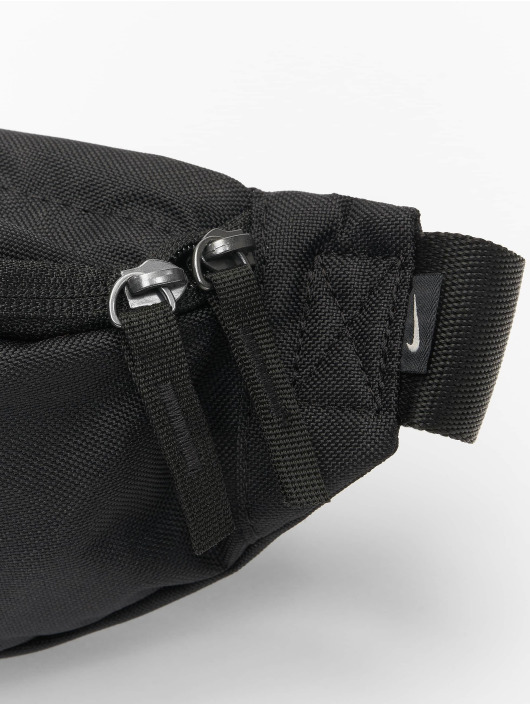 a5e280845e143 Nike Tasche Heritage in schwarz 502179