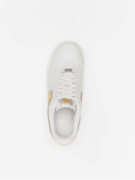 sports shoes ef554 ecb88 ... Nike Tennarit Air Force 1 07 Metallic harmaa ...