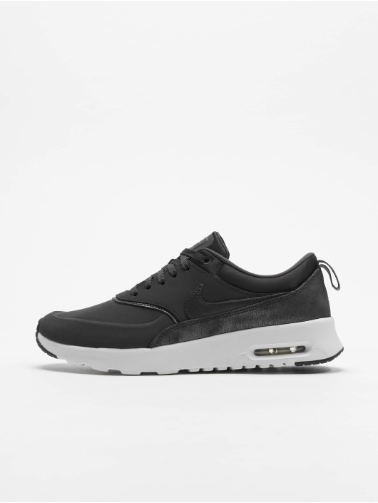 new product 1b302 dc2cf ... Nike Tennarit Women s Nike Air Max Thea Premium harmaa ...