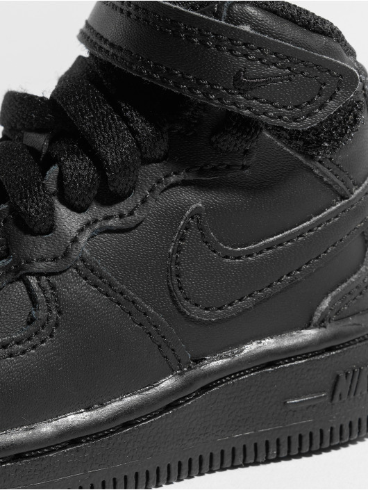 timeless design 0f4a5 7a0a6 Nike Tennarit Air Force 1 Mid TD musta ...
