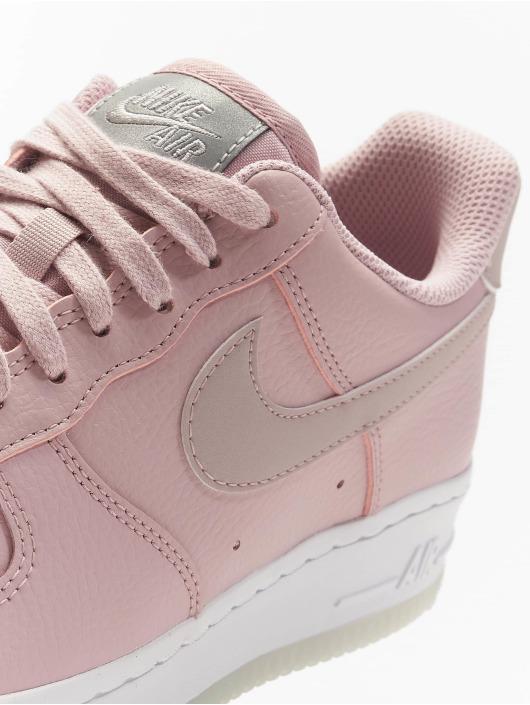 Nike Tennarit Air Force 1 '07 Essential roosa
