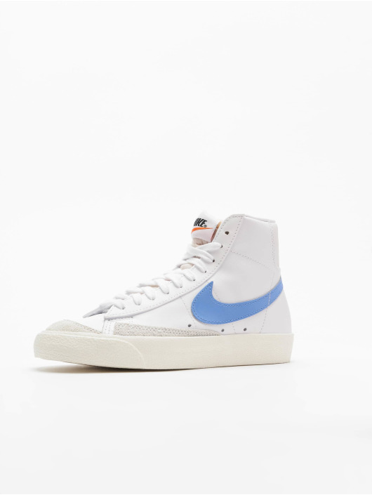 Nike Tennarit Blazer Mid '77 valkoinen