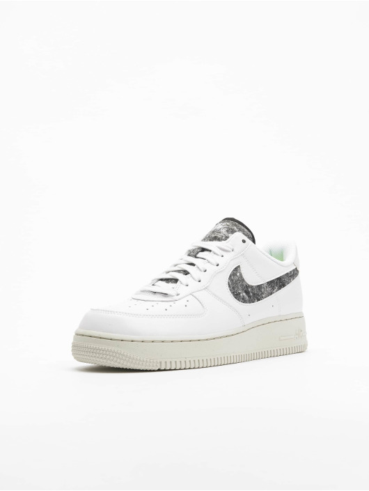 Nike Tennarit Wmns Air Force 1 '07 Se valkoinen