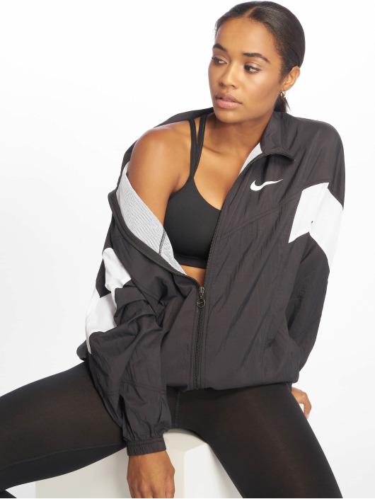 Nike Toiminnallinen takki Throwback musta