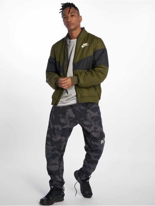 Nike Transitional Jackets Sportswear oliven