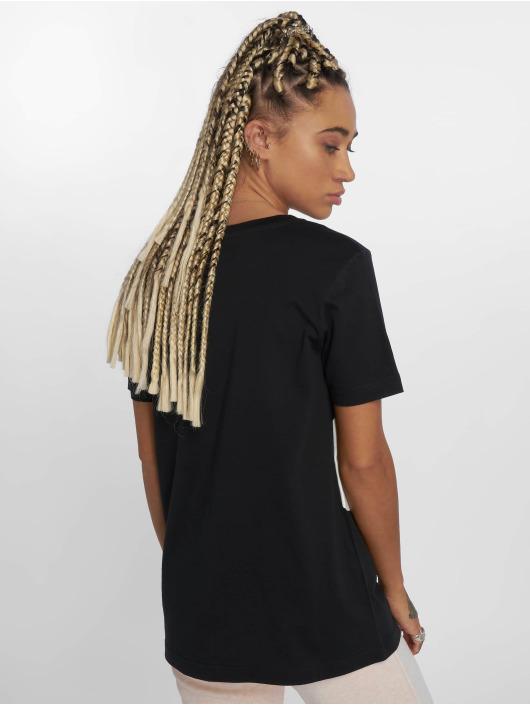 Nike Tričká Sportswear èierna
