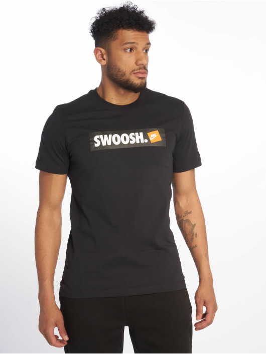 Nike Tričká Swoosh Bumper Sticker èierna