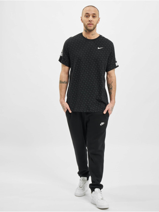 Nike Tričká M Nsw Repeat Ss Prnt èierna
