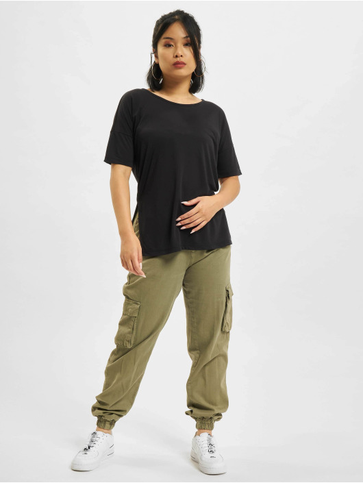 Nike Tričká Layer èierna
