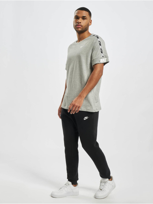 Nike Tričká M Nsw Repeat Ss šedá