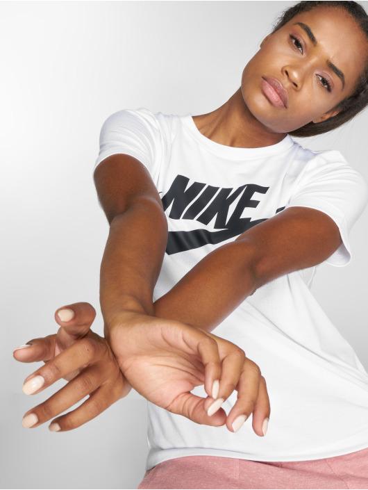 Nike Tričká Sportswear Essential biela