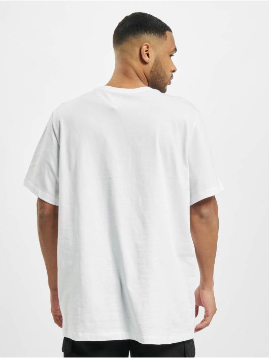 Nike Tričká Brnd Mrk Aplctn 1 biela