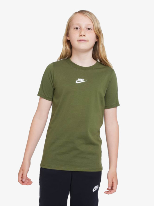 Nike Tričká Repeat zelená