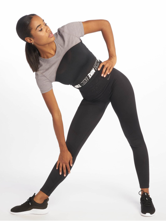 Nike Urheilu T-paidat Pro harmaa