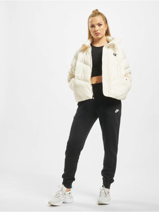 Nike Vattert jakker Synthetic Fill gul