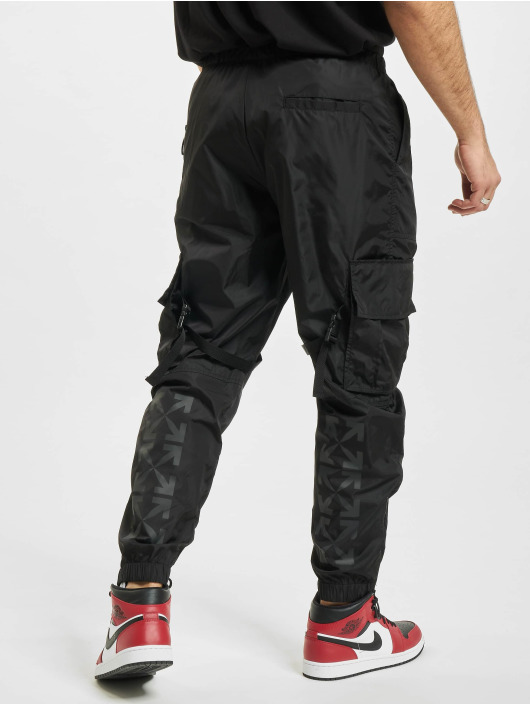 Off-White Cargo pants Arrow Parachute black