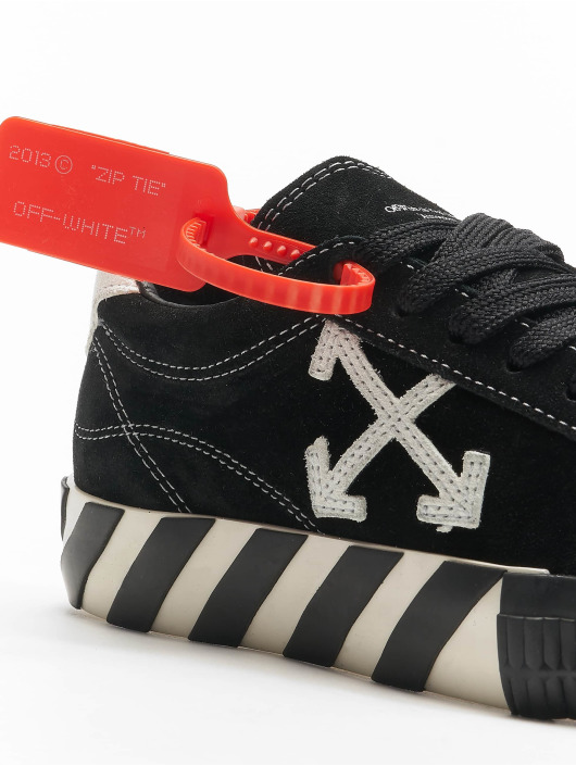 Off-White Sneaker New Arrow Low Vulcanized nero