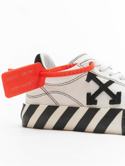 Off-White Tennarit New Arrow Low Vulcanized valkoinen