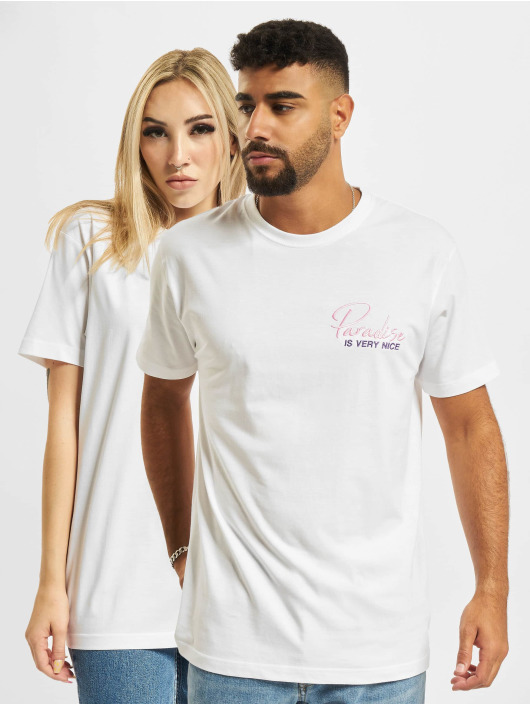 On Vacation T-shirts Paradise Is Very Nice hvid